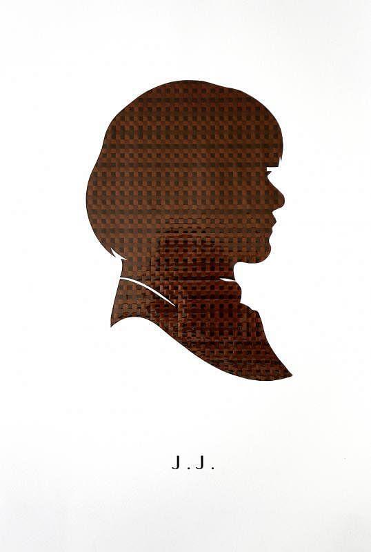 庄逸馨以磁带编织自己的剪影。