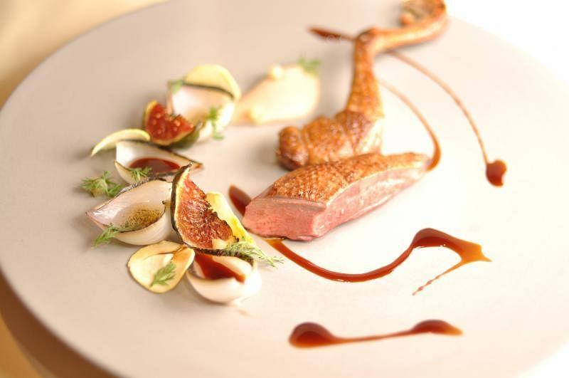 配搭栗子和烤无花果,鸽子味道更有层次。