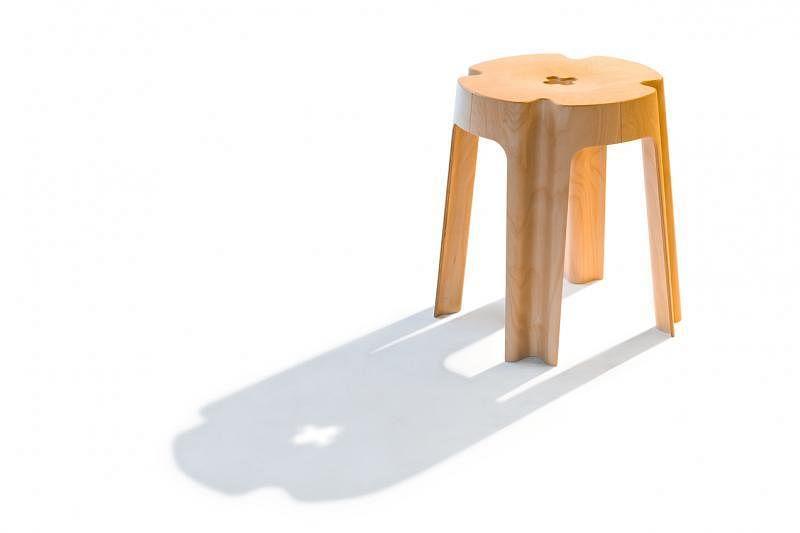 """获颁红点奖的""""Bloom""""凳造型像一朵朴实而动人的小花"""