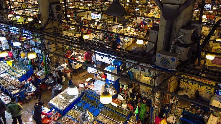 noryangjin_fish_market_Small.jpg