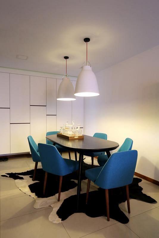 居室以纯木质家具为主。