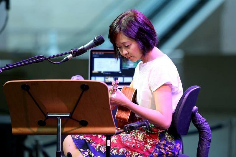 本地创作歌手吴晶莹,希望通过音乐传达希望和正能量,她不久前于滨海艺术中心举办小型演唱会。