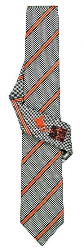 Hermès领带。
