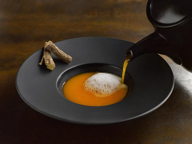 根据印度传统医学阿育吠陀原理制作的番茄汤。