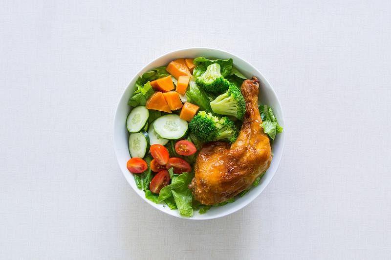 本地餐饮界掀起一股轻食热潮,而沙拉,仍然是轻食的主打。