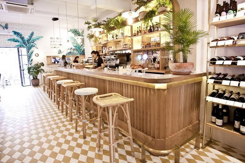 Merci Marcel是结合咖啡馆、餐馆、葡萄酒坊、乳酪角落、法国精品店,以及艺术空间的餐馆。