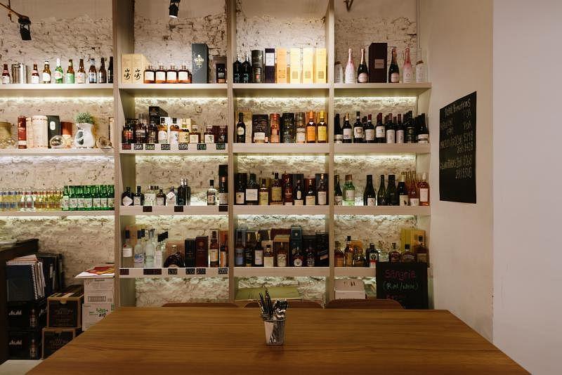 House of Mu创办人从各地搜罗而来的美酒。