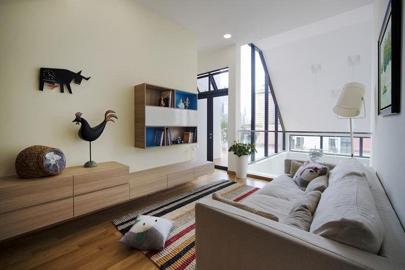 阁楼特辟休憩角落,让家人愉悦相处。