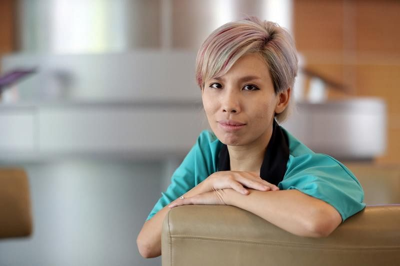 """从台湾嫁来新加坡,从事彩妆工作的叶蓉是""""口红控""""。"""