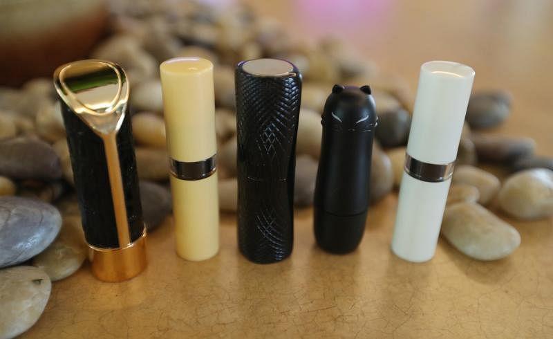 适合男性用的口红壳,男性可制作果冻护唇膏,不加色粉。