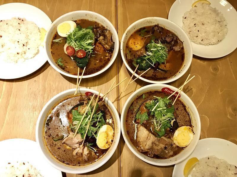 北海道人气汤咖喱加上各种蔬菜,色香味俱全。