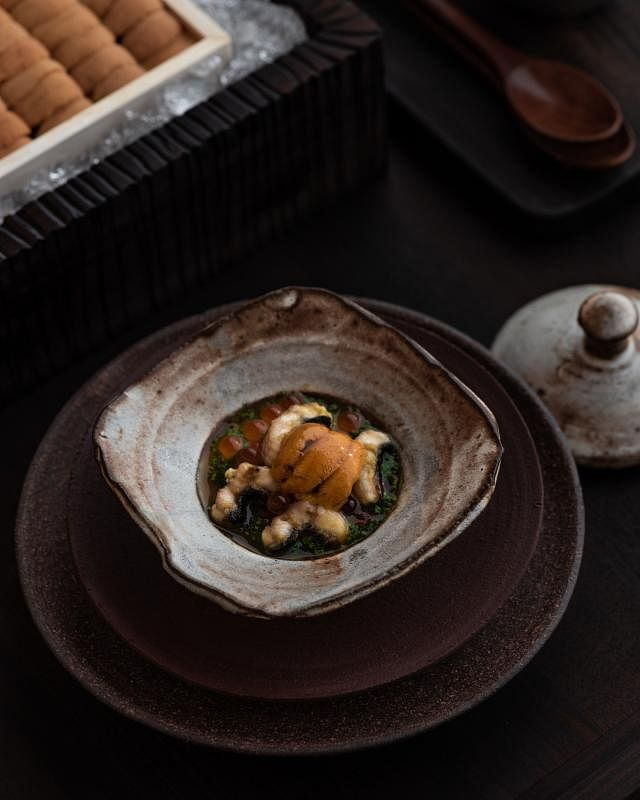 加了海胆、鳗鱼等的日式茶碗蒸。