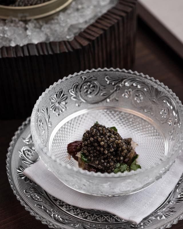 红鹿肉加鱼子酱,满口奢华。