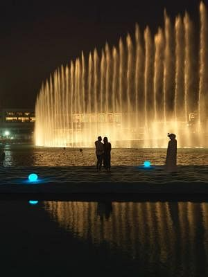 dubai fountain.jpg