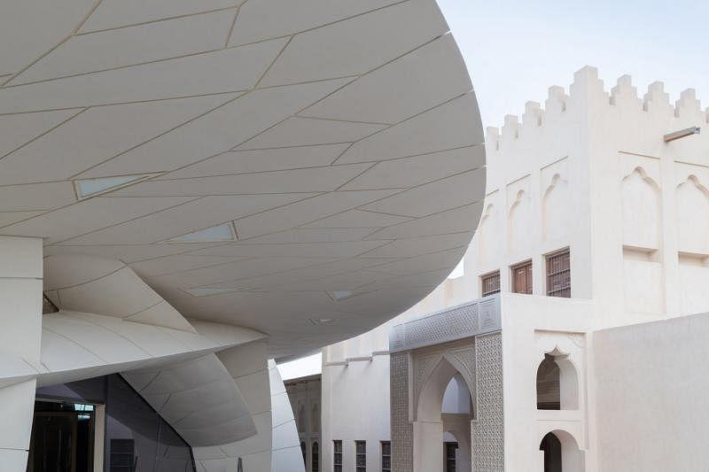 卡塔尔国家博物馆的交错圆盘设计从沙漠玫瑰取得灵感。