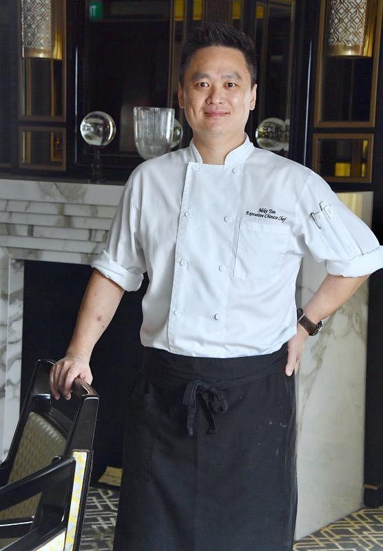 陈文祥形容厨房是个残酷的地方。