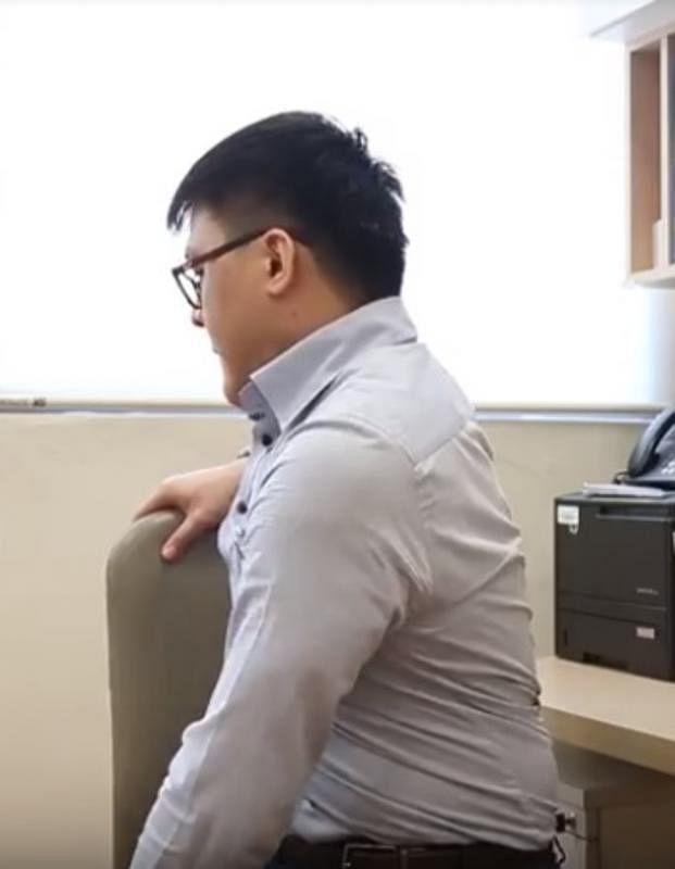 ④腰部伸展。
