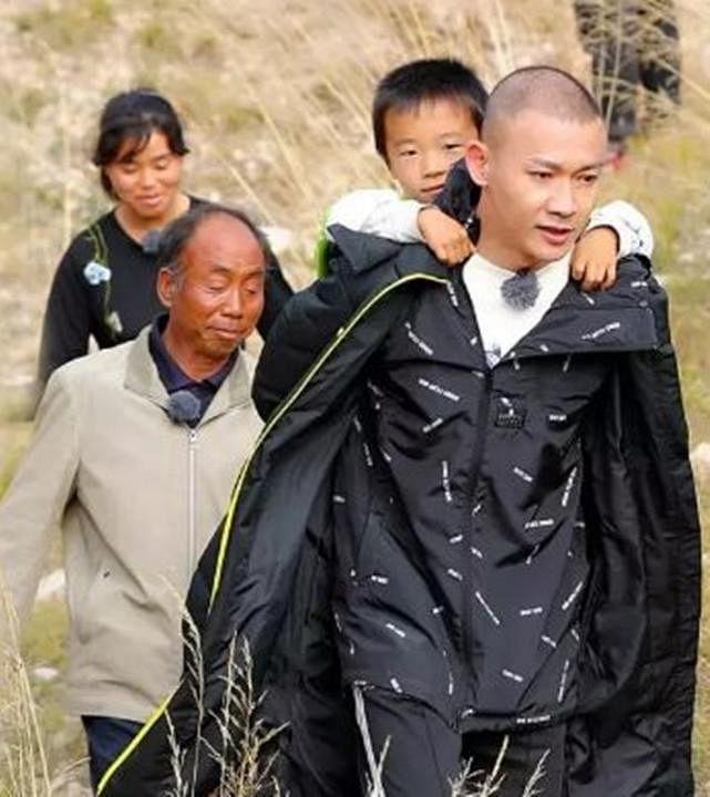 nie_yuan_dan_ren_zhong_guo_fu_pin_xing_dong_quan_ji_lu_jie_mu_wo_men_zai_xing_dong_di_er_ji_gong_yi_da_shi__Medium.jpg