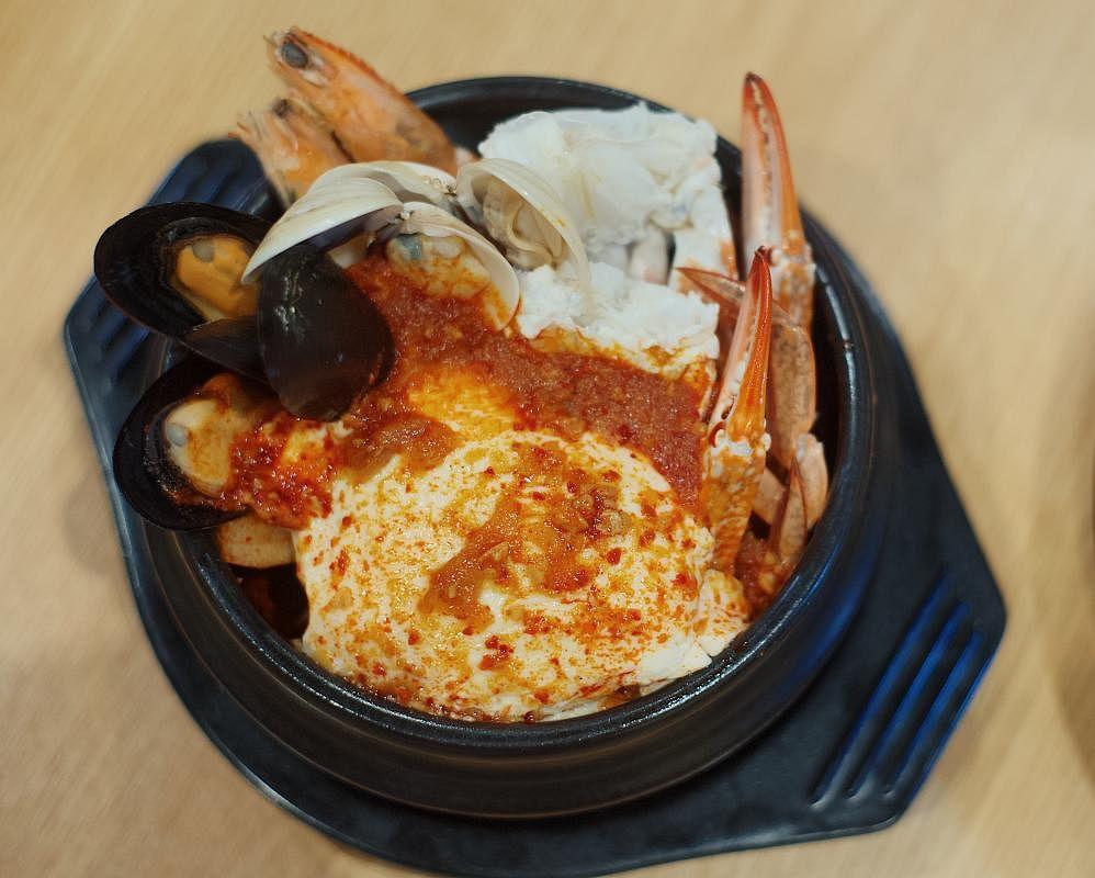 spicy_seafood_soontofu_Large.jpg