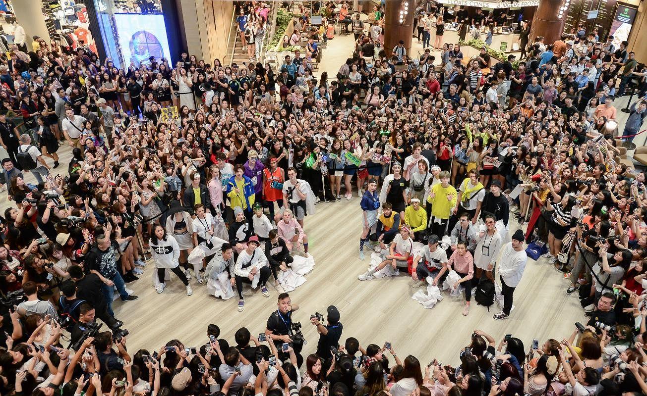 event_fashion_showcase_-_grand_opening_of_skechers_jewel_changi_airport_store_14_Large.jpg
