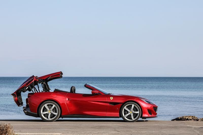 法拉利(Ferrari)Portofino是最容易操控的法拉利之一,但仍保有一定程度的赛车感觉,想要轻松地当赛车手,就是这辆了。