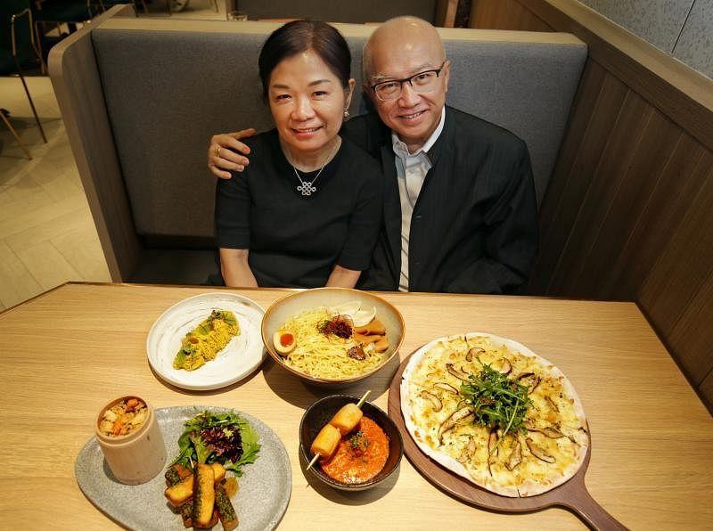 庞琳与太太黄云婷茹素30多年。