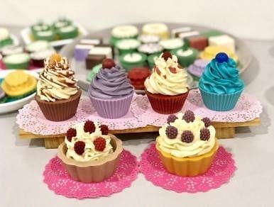 除了本土糕点,蓝慧敏亦推出西式糕点手工肥皂系列。(蓝慧敏提供)