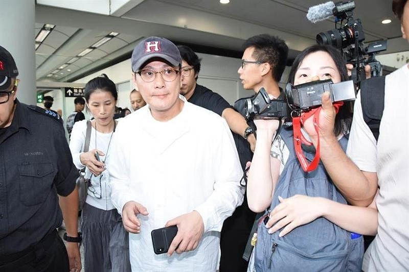 zhang_xin_zhe_fu_xiang_gang_tan_you_ren_yu_shi_wei_you_xing_hao_gan_ga__Medium.jpg