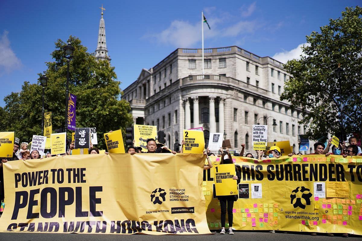 2019-08-17t151248z_1151762841_rc1f56296fd0_rtrmadp_3_hongkong-protests-london_Large.jpg