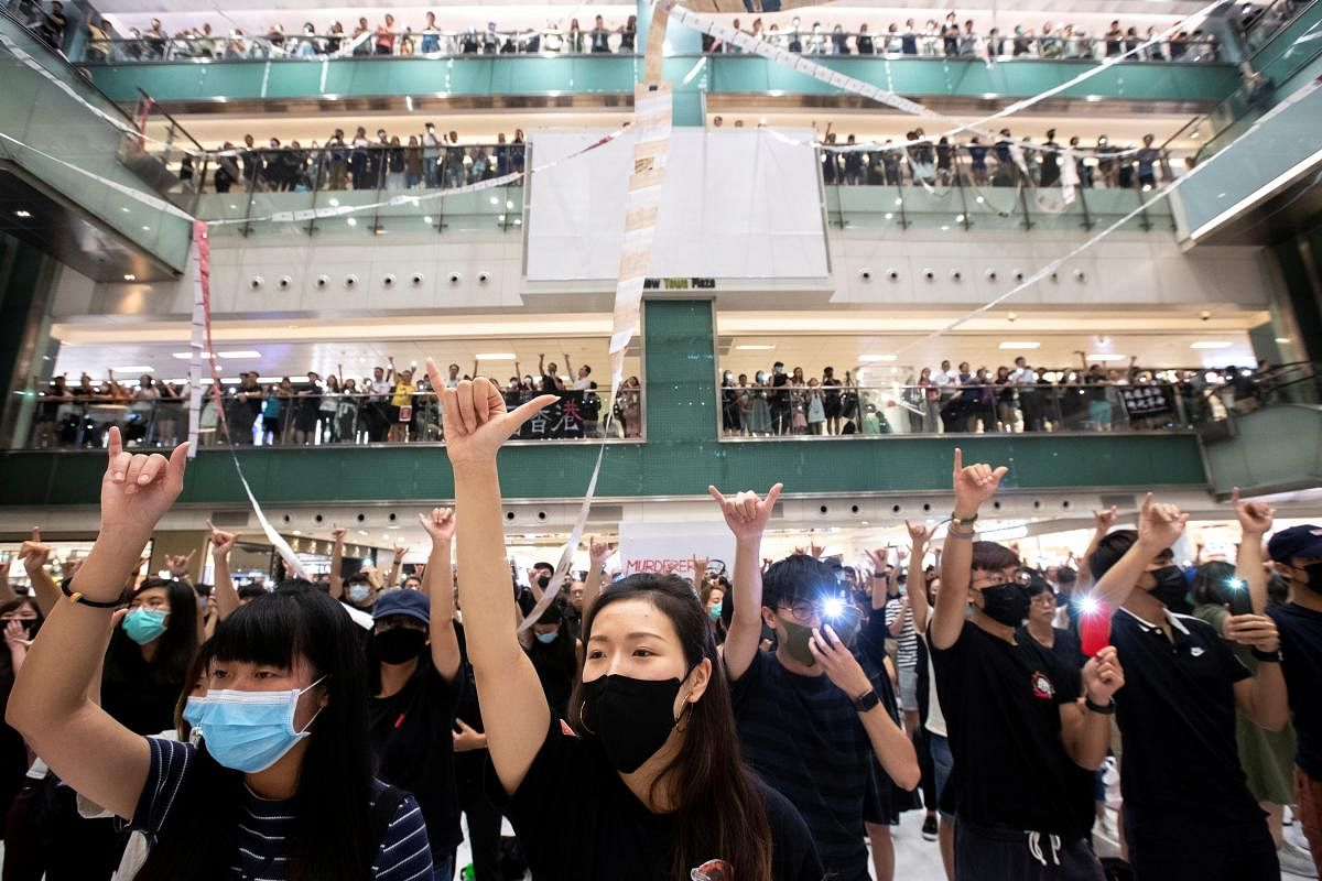 2019-10-02t162248z_290482665_rc12002b4400_rtrmadp_3_hongkong-protests_Large.jpg