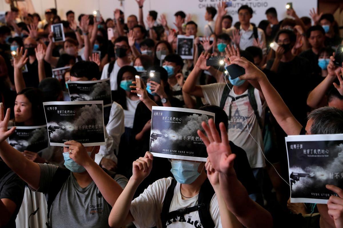 2019-10-02t164854z_1311398930_rc14310d0c30_rtrmadp_3_hongkong-protests_Large.jpg