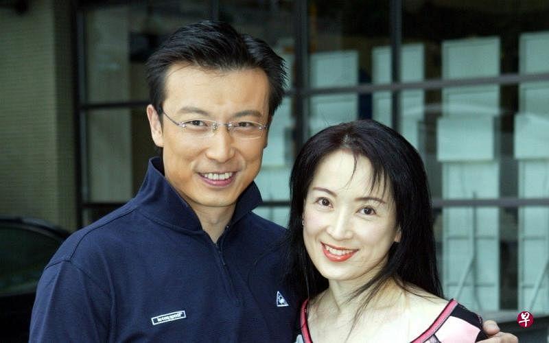 lin_wei_zuo_he_gong_ci_en_jie_hun_20nian_ru_jin_yuan_jin_chi_hun_.__Medium.jpg