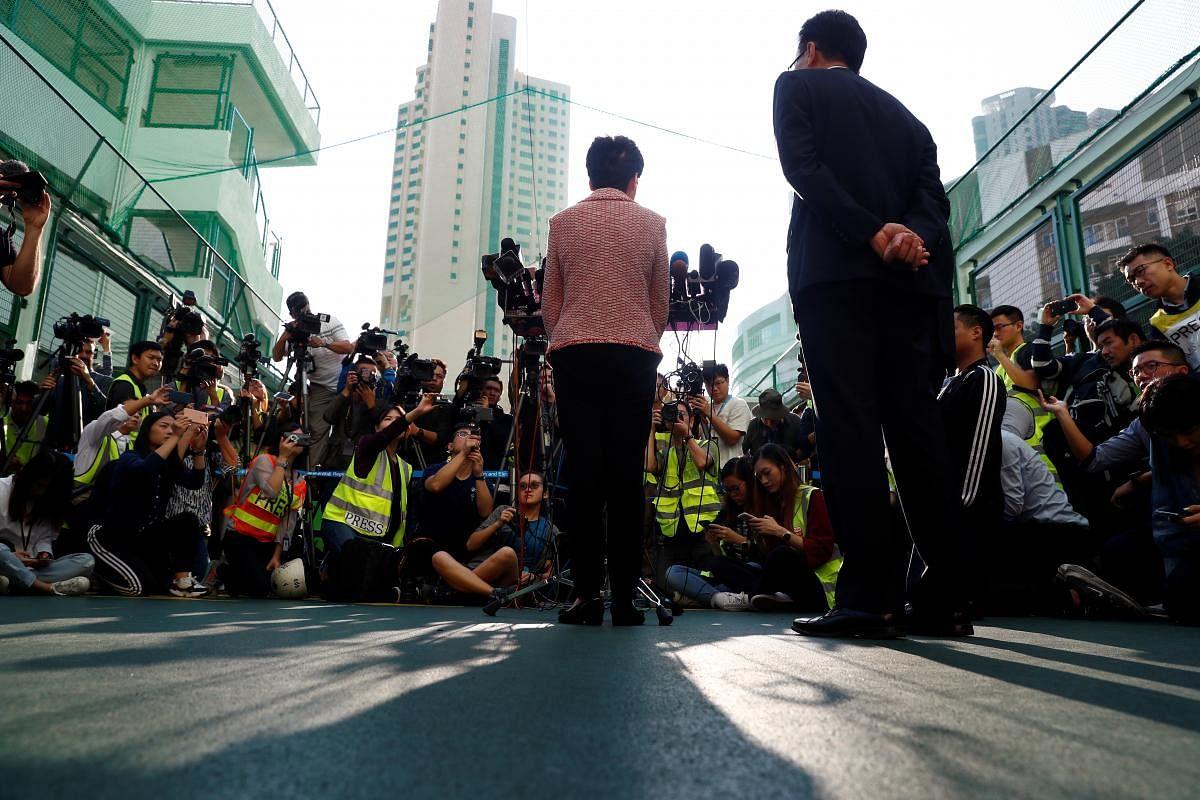 2019-11-24t010332z_1547780747_rc2dhd95cwm3_rtrmadp_3_hongkong-protests-election_Large.jpg