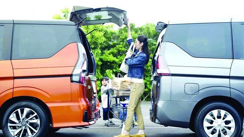 可分上下部分开启的车尾门在狭小的空间特别能发挥效用。