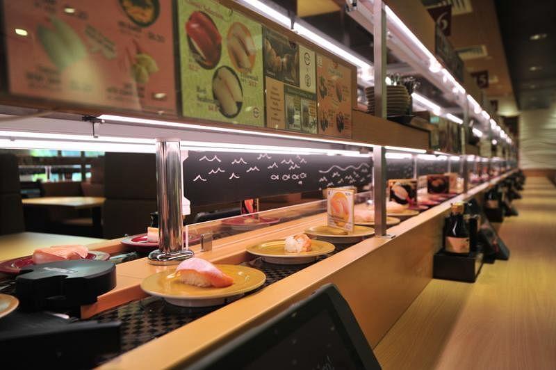 寿司郎是日本第一的回转寿司连锁店,自动化运输带分上下两层。(品牌提供)