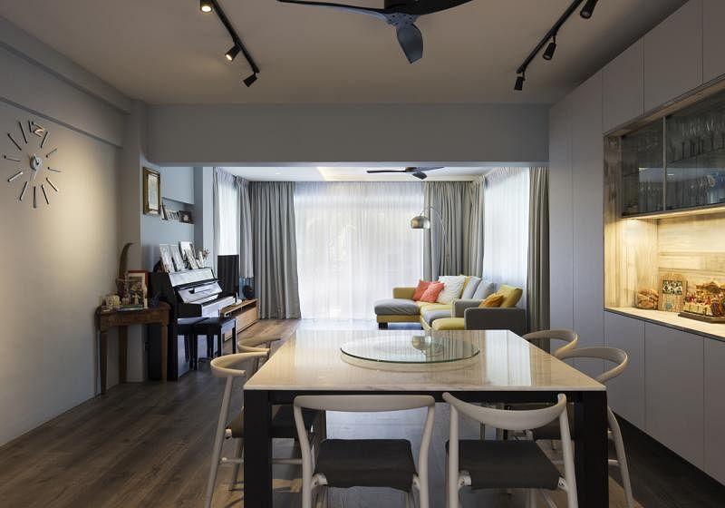 客厅和饭厅连成一体,有共融之美。