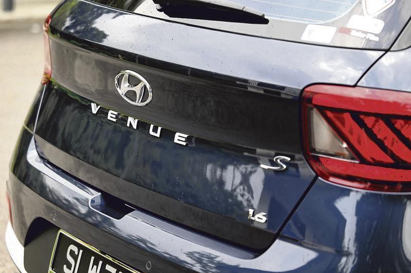 Venue的车尾高调宣示是好玩的个性车子。