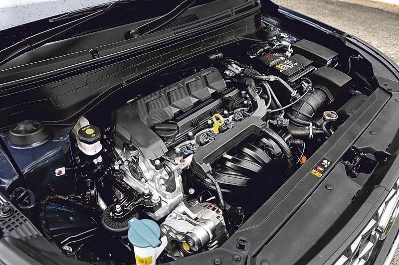车子采用智能版IVT变速箱,提高燃油效率,省油又降低发动机噪音。