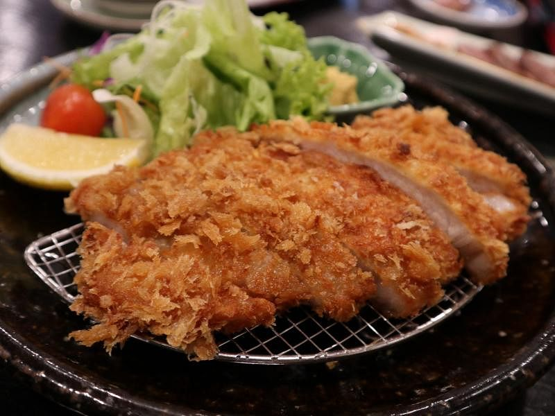 牡丹餐馆的日式炸猪排,以北海道猪肉制成。