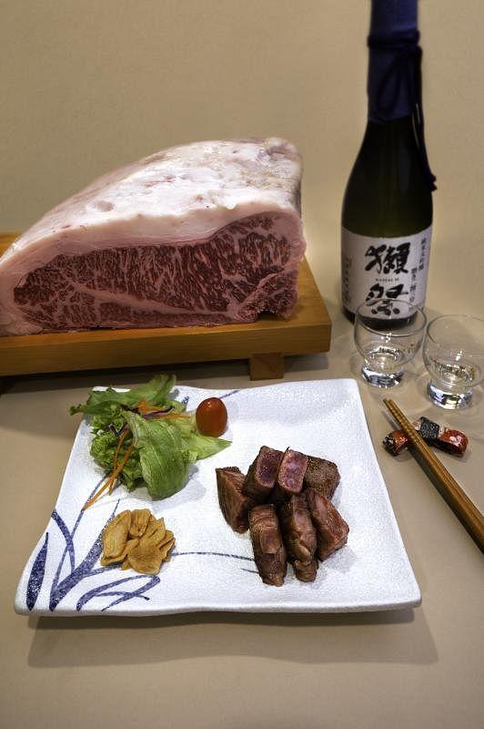 牡丹餐馆精选A5宫崎和牛。