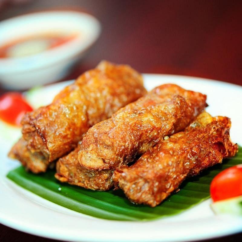 """槟城人称为""""卤肉"""",味道贴近本地五香肉卷。(受访者提供)"""