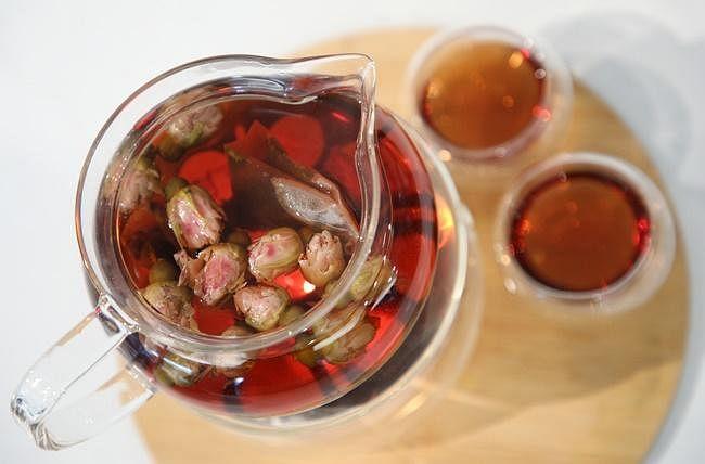 come n live rose red tea.jpg