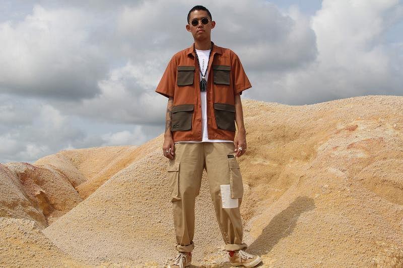 N3avigate以士兵服为灵感设计的多口袋装。