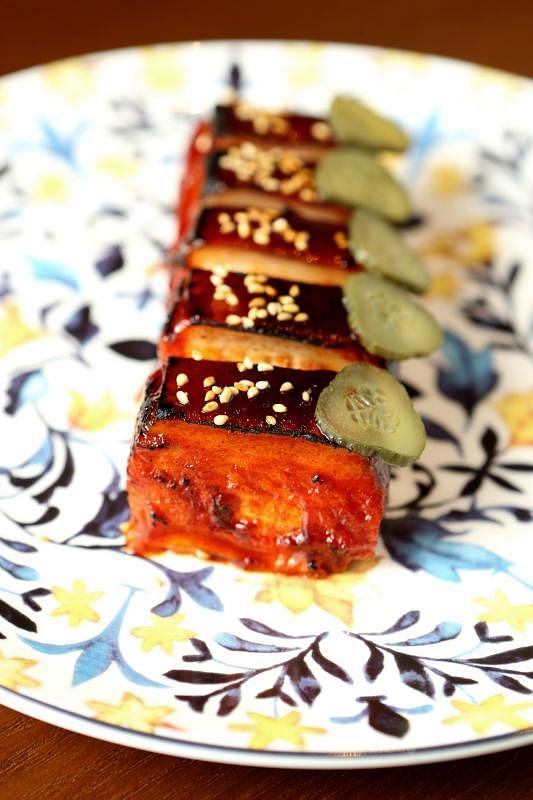 韩风版叉烧比传统叉烧多一层照烧酱风味。
