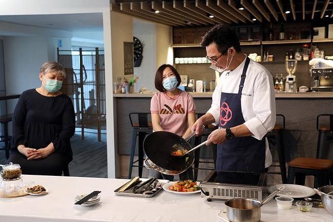 comenlive_wk13_cooking2.jpg