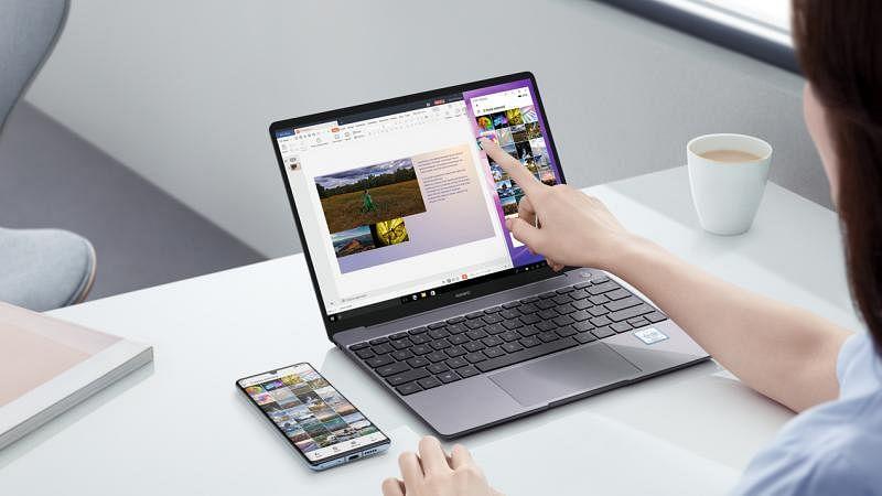 用户能用笔电触控屏操控手机。