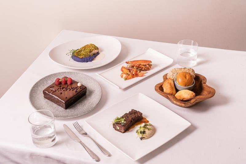 新派欧式餐馆Tablescape的父亲节套餐从两人份$118净价起,色香味都照顾到。