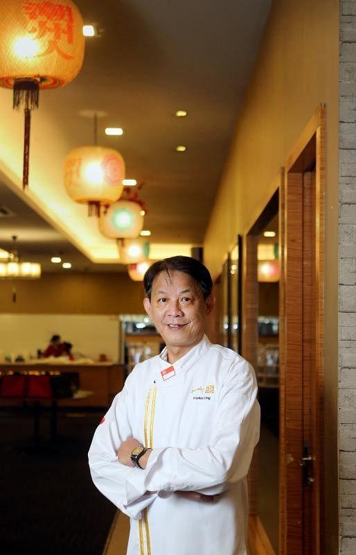 汕头海鲜行政总厨王振国坚持烹饪正宗潮州菜,尽管潮州菜的工序很多,而且每一个步骤都要做好才能成功。