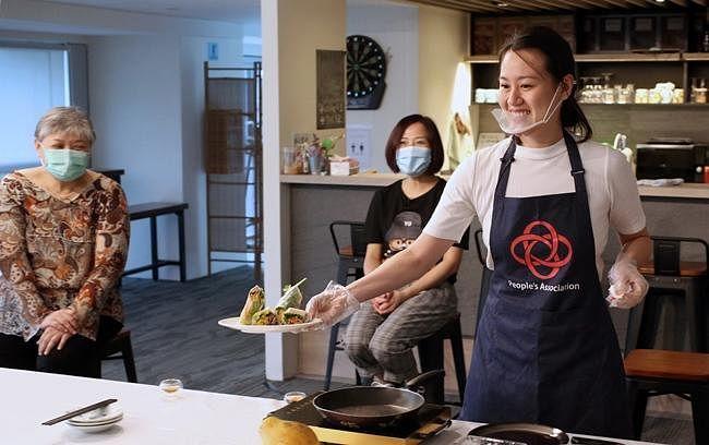 comenlive_wk14_cooking1.jpg