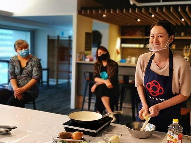 comenlive_wk14_cooking4.jpg